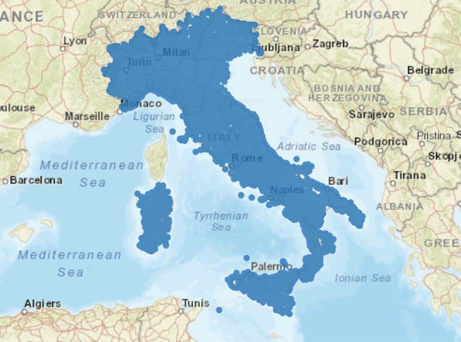 Blue Italy map coverage with circles